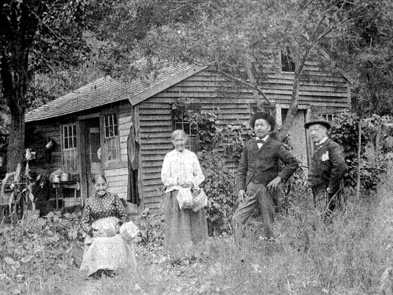 Rachel Mauwee (basket maker); Abigail Harris (basket maker); Jim Harris (minister); and Value Kilson (collier) on the Schaghticoke Reservation, circa 1890-1900